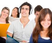 Estudante, ouvir música — Foto Stock