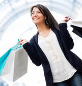 Donna felice shopping — Foto Stock