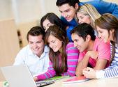 обучение с ноутбуком — Стоковое фото