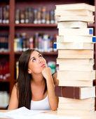 Zaneprázdněn studentka — Stock fotografie