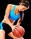 Mujer jugando al baloncesto — Foto de Stock