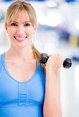 Donna, allenamento in palestra — Foto Stock