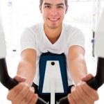 Man exercising at the gym — Stock Photo