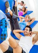 W sali gimnastycznej — Zdjęcie stockowe