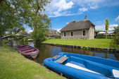 Traditional house in Giethoorn, Netherlands — Stock Photo