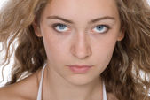 Portre güzel genç sarışın kapatın — Stok fotoğraf