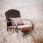 snöiga vintage stol — Stockfoto