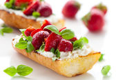 Strawberry bruschetta — Stock Photo