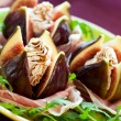 Figs with prosciutto,cheese and balsamic vinegar — Stock Photo