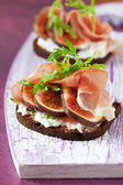 Prosciutto, fig, and cheese sandwich — Stock Photo