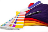 T-shirts and color scale — Stock Photo