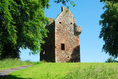 Greenknowe tower ruin in summer — Stock Photo