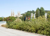 Walk with trees in the Spanish city of Burgo — Stock Photo