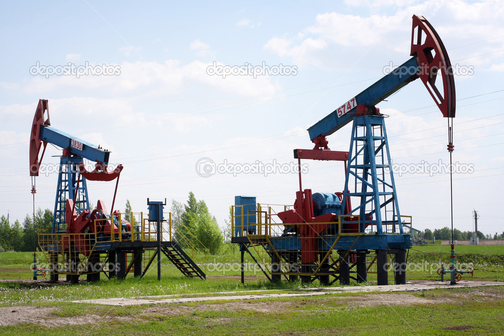An oil pump jack — Stock Photo #11364548