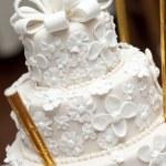A white wedding cake — Stock Photo