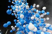 Blaue und weiße ballons — Stockfoto