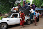 Overloaded pick-up in Bagan, Myanmar — Stock Photo