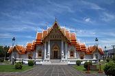 Thai Buddhist temple in Bangkok — Stock Photo