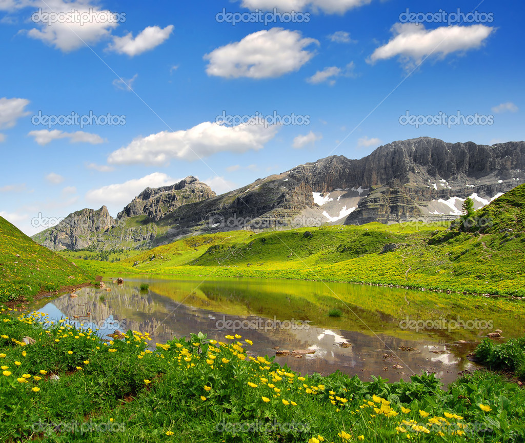 Lago di Spinale - Dolomites Italy — Stock Photo #10948146