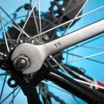 Repairing bike — Stock Photo