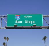 San Diego 15 Freeway Sign with Palms — Stock Photo