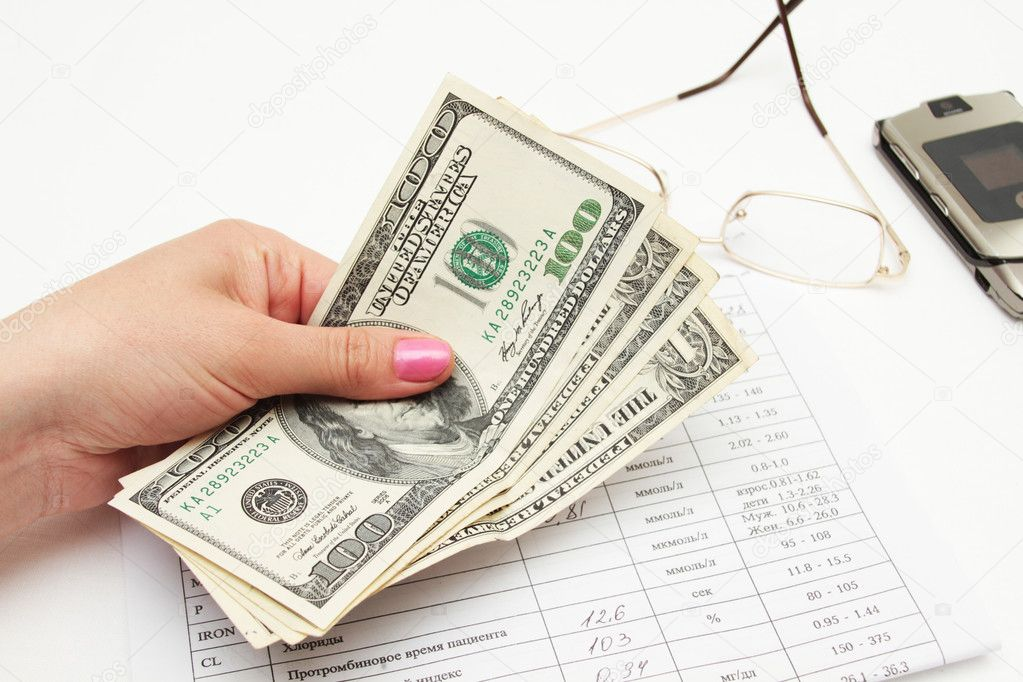 Gives money — Stock Photo #10783594