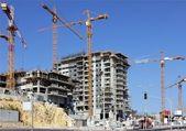 Uppförandet av en flervånings byggnad — Stockfoto