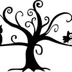 Halloween night owl and cat in tree — Stock Vector