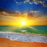 Beautiful evening sea beach scene — Stock Photo