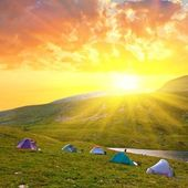 Touristic camp in a mountains at the morning — Stock Photo