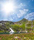 Beautiful lake in a mountains — Stock Photo