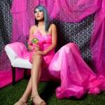 chica bonita de rosa — Foto de Stock
