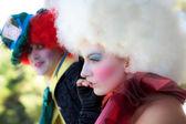 Coppia romantica clownerie intorno — Foto Stock