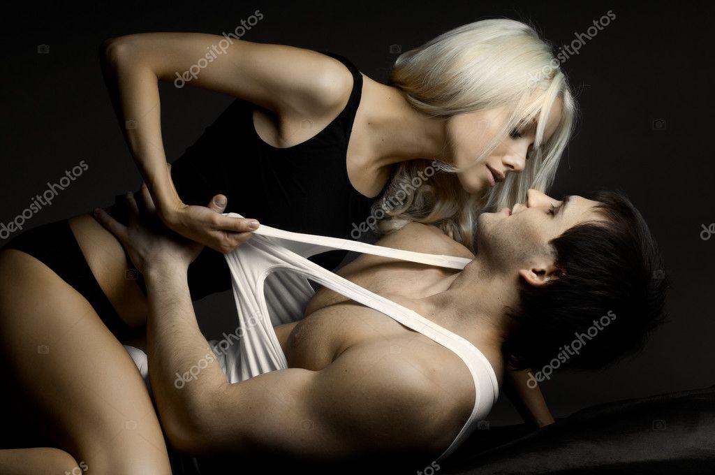 Сексуальные девушки позируют и трахаются с партнерами  354751