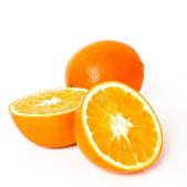Спелые оранжевые фрукты изолированные — Стоковое фото