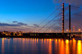 Night bridge over the Rein in Dusseldorf — Stock Photo