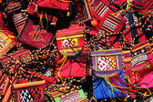 Bolso hecho a mano con adornos tradicionales. — Foto de Stock