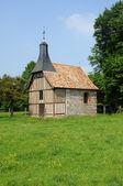Normandie, la chapelle de l essart mador à lyons la foret — Photo