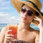 fresco giovane bruna in vacanza — Foto Stock