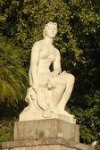 Statue of woman of soviet epoch — Stock Photo