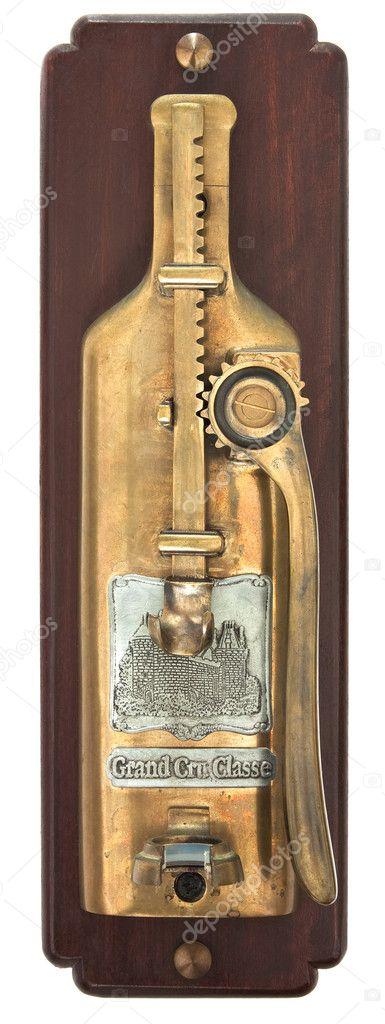 ouvre bouteille de vin fix au mur photographie dpullman 11364531. Black Bedroom Furniture Sets. Home Design Ideas