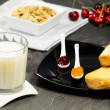 Nutrient breakfast with milk, fruits and cereals — Stok fotoğraf