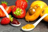 Loquat and strawberry jam — Stock Photo
