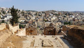 Jerash roman and new city in Jordan — Stok fotoğraf