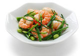 Stir-fry flowering chinese chives with prawns and edamame — Stock Photo