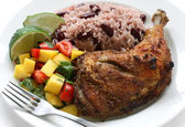Assiette de poulet Jerk — Photo