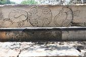 Antika agora - aten grekland - dekorerade sten bank — Stockfoto