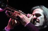 Trompetista en el escenario — Foto de Stock