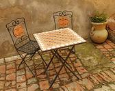 Elegant garden furniture on tuscan terrace, Italy, Europe — Stock Photo