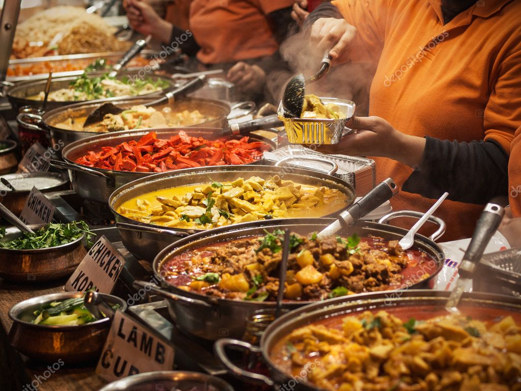 Takeaway Indian food at London market — Stock Photo #11002885